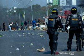 Bentrok mahasiswa-polisi di Makassar Page 3 Small