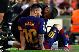 Messi cedera, Barcelona menang 2-1 atas Villarreal