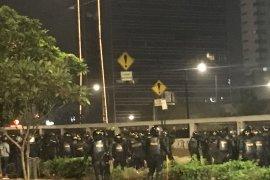 "Massa demonstrasi sempat ricuh di ""fly over"" Slipi"