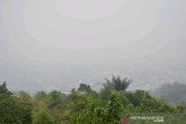 Akibat asap, siswa di Padangsidimpuan diliburkan