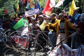 Demo mahasiswa, Polresta Sidoarjo berikan pengamanan humanis