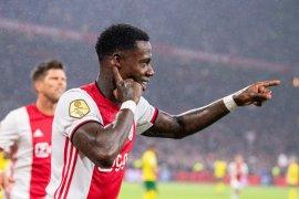 Liga Belanda, Ajax kembali ke puncak setelah digusur PSV dua jam
