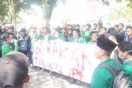 100 Mahasiswa STAI JM Tanjungpura datangi DPRD Langkat