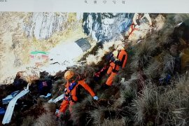 Menantang maut di pegunungan Papua demi tugas  kemanusiaan