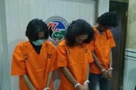 "Mahasiswa ditangkap edarkan ganja via ""WhatsApp"""