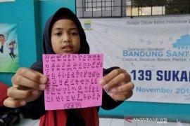 """Siswa SD ini tulis harapannya: """"Saya harap tidak ada demo makan korban jiwa"""""""