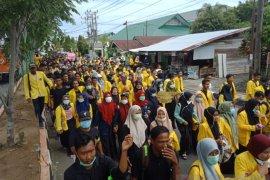 Ribuan mahasiswa mulai bergerak ke Kantor DPRK Aceh Barat