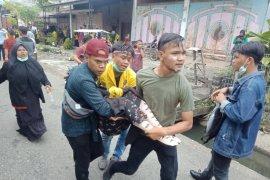 Murid SD dan mahasiswa di Aceh Barat sesak napas dan pingsan kena gas air mata