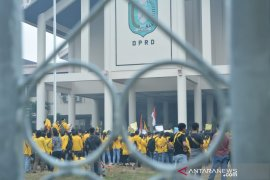 Ratusan mahasiswa kembali menggelar demo tolak RUU KUHP-KPK