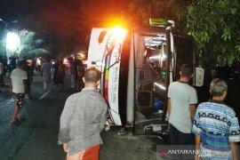 Bus Putra Pelangi tabrak tiang listrik, 3 korban meninggal dunia