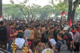 Giliran pelajar yang demo ke DPRD Sumut