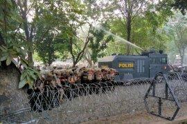 Demo di DPRD Sumut kembali ricuh