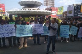 Jurnalis Sukabumi menuntut tidak ada lagi kekerasan terhadap wartawan
