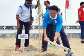 Wabup Batola tanam pohon di Kota Tegal