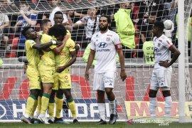 Kalah lagi, Lyon enam laga tanpa kemenangan