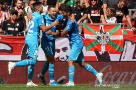 Valencia raih kemenangan perdana di era Celades