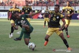 Babak pertama, Barito Putera vs Persebaya 0-0