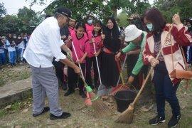 Pemkab Sintang gencar galakkan Jumat Bersih
