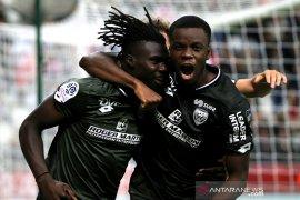 Dijon raih kemenangan pertama, hampir semua laga berakhir imbang