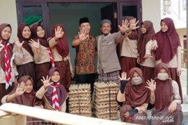10 ribu telur dibagikan untuk peningkatan gizi santri di Bogor