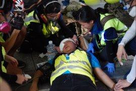 Wartawan Indonesia kena peluru karet saat liput demonstrasi di Hong Kong
