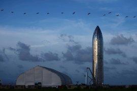 Miliarder Jepang mencari pacar untuk diajak keliling Bulan