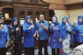 Eva Yuliana diberi mandat pimpin Perempuan Demokrat Riau