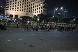 Dinyatakan kondusif, polisi buka blokade Simpang Semanggi