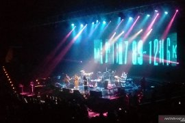 Grup musik Elephant Kind nyanyikan dua lagu di konser Tanda Mata