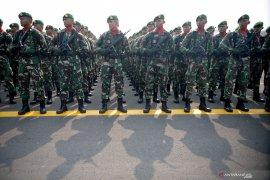 Apel Kesiapan Pasukan TNI Jelang Pelantikan Presiden dan Wapres Page 2 Small