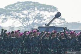 Apel Kesiapan Pasukan TNI Jelang Pelantikan Presiden dan Wapres Page 4 Small