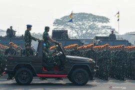 Apel Kesiapan Pasukan TNI Jelang Pelantikan Presiden dan Wapres Page 5 Small