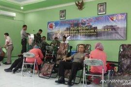 Kodim Pamekasan gelar donor darah sambut HUT TNI