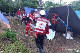 PMI bangun fasilitas MCK dan penampungan untuk korban gempa di Waai, Ambon