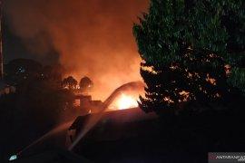 24 armada Damkar berjibaku padamkan kebakaran hebat di Medan