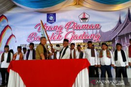 Gubernur Babel kukuhkan pengurus Perkumpulan Keluarga Daerah Piaman