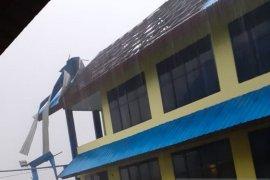 12 rumah rusak dihantam puting beliung di Aceh Barat