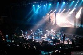 Glenn Fredly sumbangkan pendapatan konser untuk korban gempa Maluku