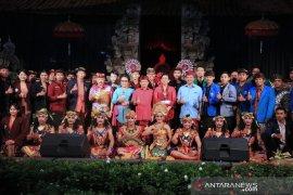 Gubernur Koster ajak mahasiswa jaga keamanan Bali