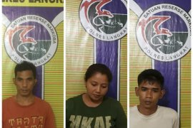 Polres Langkat tangkap tiga tersangka pemilik sabu-sabu