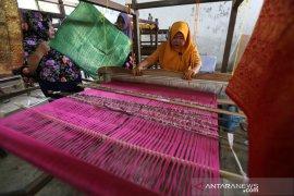 Kerajinan tenun songket Aceh
