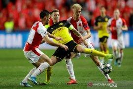 Dortmund lampiaskan kekesalan dengan hajar Slavia Praha