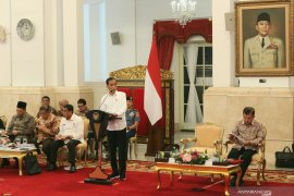 Presiden Jokowi berterima kasih kepada para menteri dan pimpinan lembaga