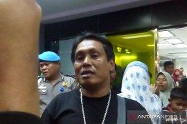 Bersembunyi selama sejam di balik kios, Defrizul selamat dari kerusuhan Papua