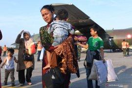 Pemkab Blitar koordinasi kepulangan warganya dari Wamena
