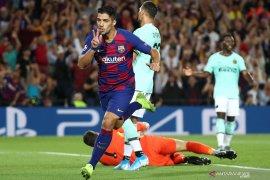 Dua gol Suarez selamatkan Barcelona dari kekalahan di Nou Camp
