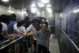 Topan Mitag landa Korea Selatan, enam tewas terperangkap di bawah bangunan runtuh