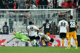 Willy Boly bawa Wolves menang dramatis 1-0 atas Besiktas