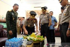 HUT TNI, Kapolda Riau grebek kediaman Danrem 031/Wirabima