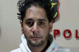 Menantu Elvy Sukaesih ditangkap, petugas temukan 1,07 gram sabu